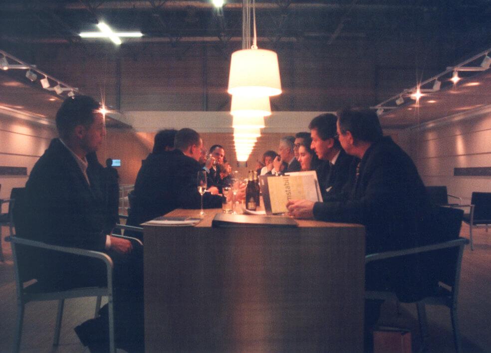 Messestand für Thonet, IMM Köln 2000 - People